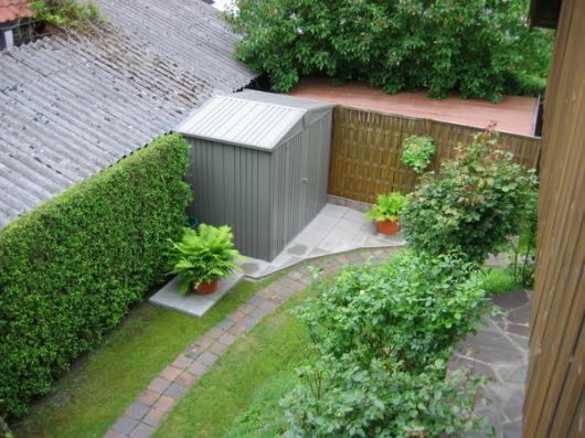 Caseta metalica biohort jardin europa 1 casetas y for Cobertizos para jardin